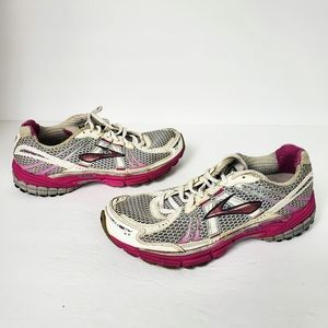 Brooks Adrenaline GTS 12 running shoes womens 8